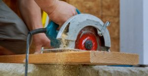 how to make straight cuts with your circular saw